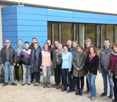 Abteilung Wirkstoff-Transport von Prof. Claus-Michael Lehr am Helmholtz-Institut für Pharmazeutische Forschung Saarland (HIPS)